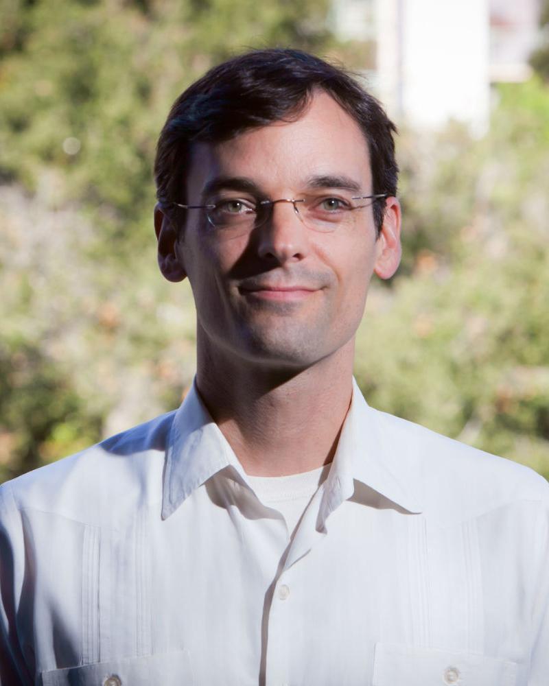 Headshot of Curtis Deutsch
